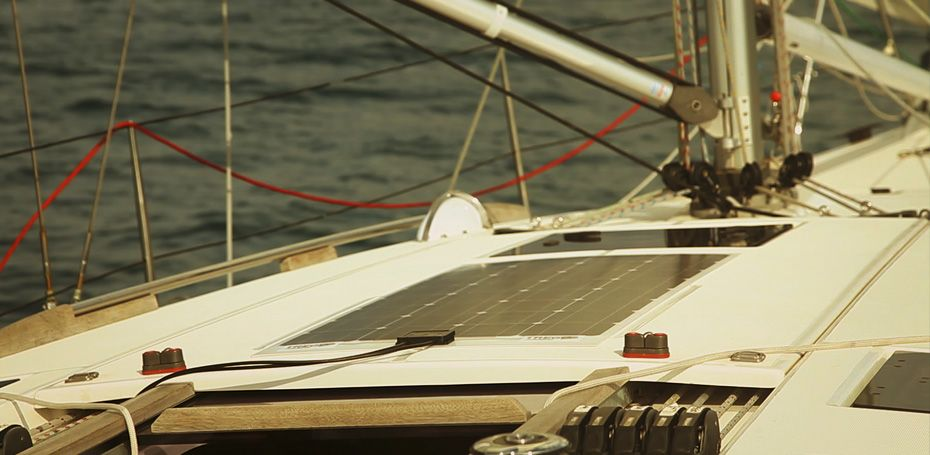 Pannello Solare Barca A Vela : Pannelli solari marini sottili e resistenti all acqua per