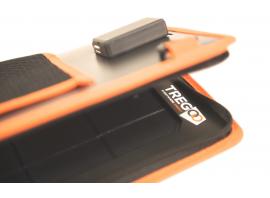 Particolare dell'attacco USB per la ricarica diretta dal pannello